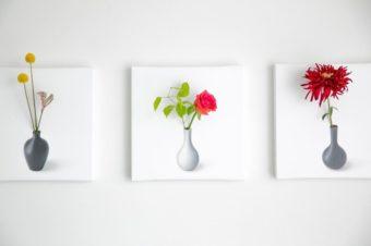 新感覚のフラワーベース。花を生けて絵が完成するインテリアアートパネル「IKEBANA」