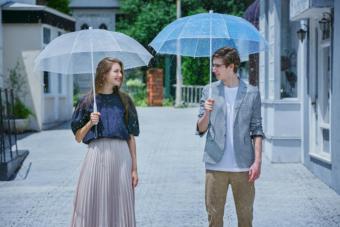 環境にやさしく、より便利に。雨の日が好きになる「+TIC」の使い捨てないビニール傘