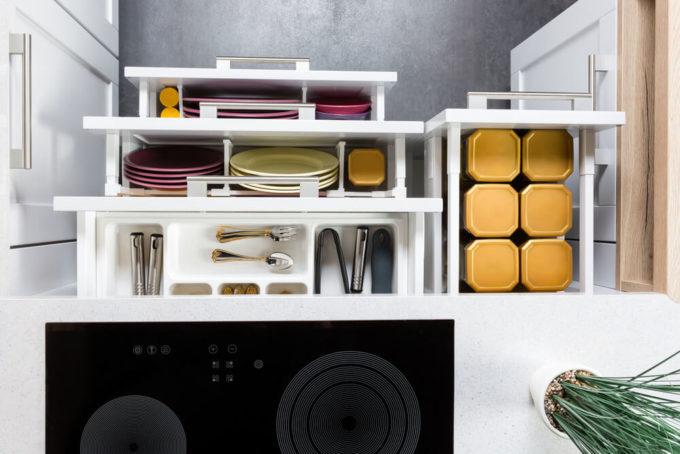 こだわりが詰まったキッチンの引き出しの収納術の例
