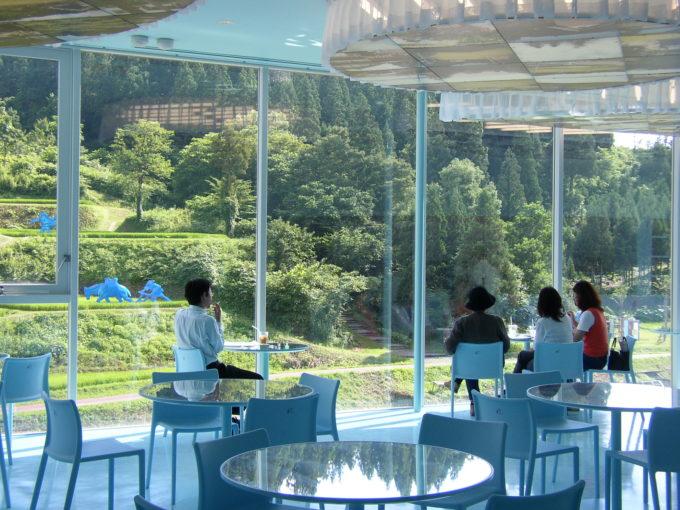 今夏は新潟県越後妻有へ。アートな旅を楽しめる「大地の芸術祭」へ出かけよう