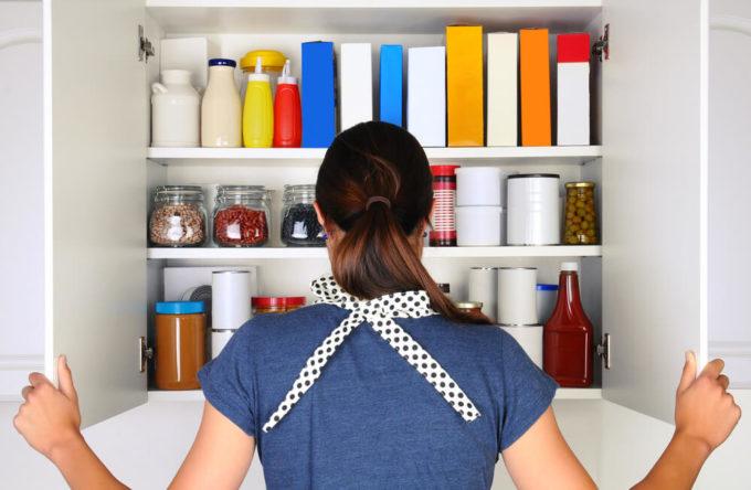 キレイに収納されたキッチン収納の例