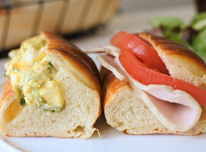 「パン・ヴィエノワ」のレシピ、具材を挟んでお食事系サンドイッチにしたところ