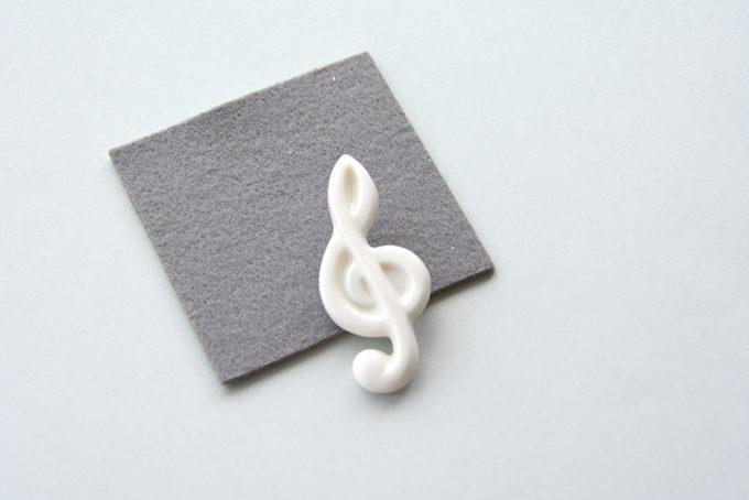 hatokumoの白磁を使ったアクセサリー