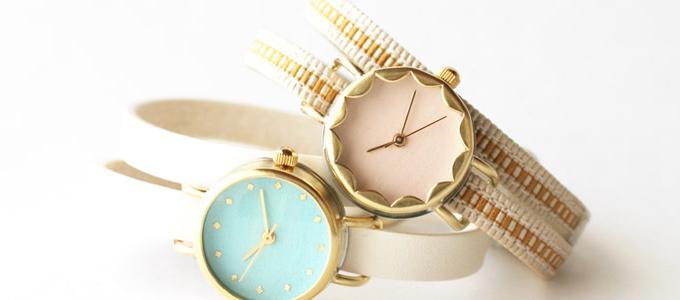 岩絵の具で色を塗った和紙を使用した大人女性におすすめのiroha<いろは>の腕時計1