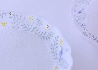 繊細でやさしい輝きにうっとり。ガラス作家・今井茉里絵さんのパート・ド・ヴェール作品