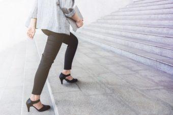階段の昇り降りが体脂肪燃焼に。普段の生活で今すぐに実践できる、痩せやすい体づくり