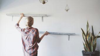 DIY初心者さんにおすすめ。実用的でおしゃれな棚づくりの「基本と応用、ときどき手抜き」