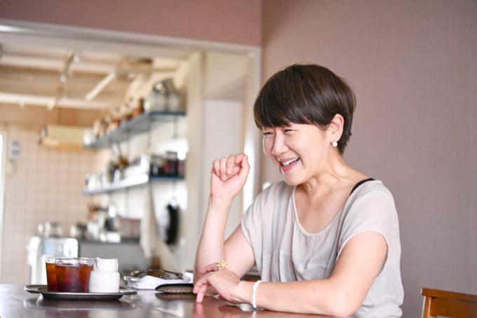 料理家・坂田阿希子さんが猫と過ごした幼少期を語っているところ