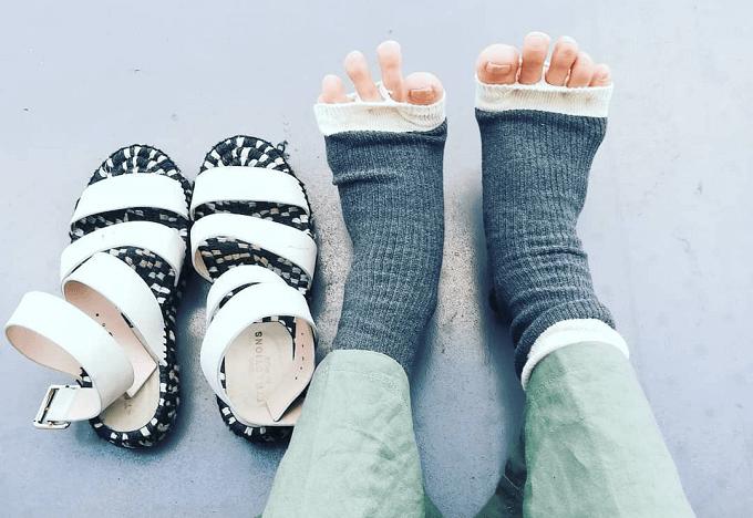 夏のサンダルにもおすすめ、冷え対策になる靴下ブランドRIRILAのオープントゥソックス