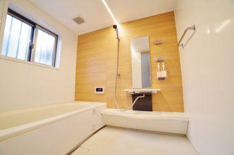 知っておきたい基礎知識。効率的なお風呂掃除の順番&汚れを落とすコツ