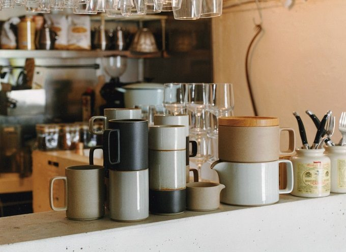 西海陶器のブランドHasami Porcelain