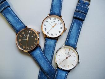 デニムベルトに職人技が光る。一つひとつ風合いが異なる「monologue」の限定腕時計