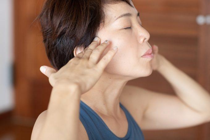46歳美魔女トレーナーが教える顔のストレッチ3