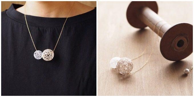 ひらり the airy jewelry」の繊細な糸玉のネックレス
