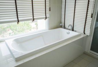 置くだけ、入れるだけで清潔に。水周りの菌を取り除いて消臭する「ioria」のペレット