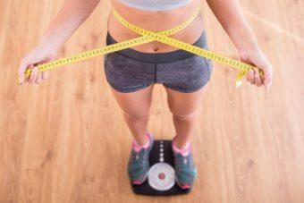 食べ過ぎてしまったら即座のケアを。押えておきたい、身体を整える2つのポイント