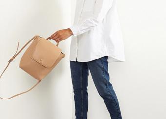 シンプルでも存在感あり。お手入れが簡単で使いやすい「Oliver Bonas」の優秀バッグ