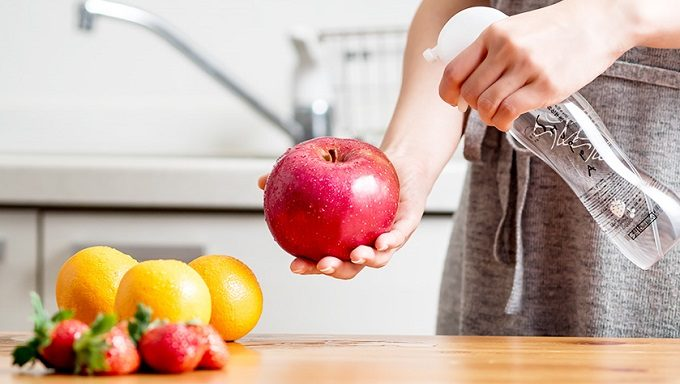 洗浄力が高く体にやさしい純水100%の洗浄水SHUPPA<シュッパ>を食品に使用しているところ