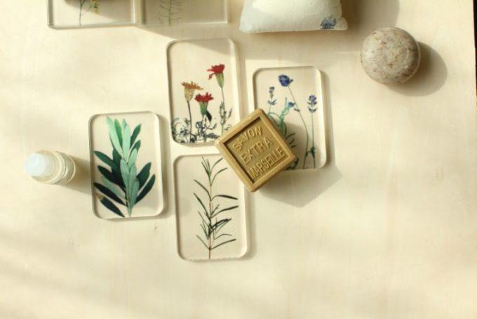 「toumei」のアクリル板に直接印刷したおしゃれなデザインの製品
