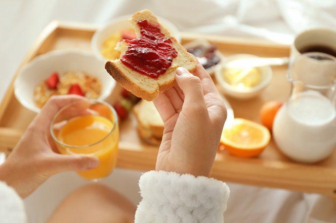 ストレスを感じ、食欲コントロールが難しい糖質制限ダイエット中におすすめのMCTオイル