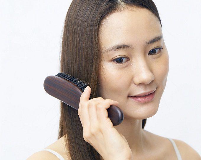 美髪のための正しいブラッシングの方法3