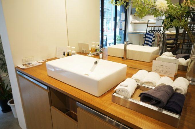 モラルテックスラボの洗面台