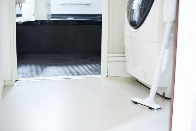 ほこりの溜まりにくい浴室の床