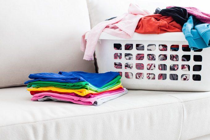 クローゼットの簡単引き出し収納術、衣類の分類