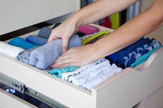 クローゼットの簡単引き出し収納術、衣類の収納方法