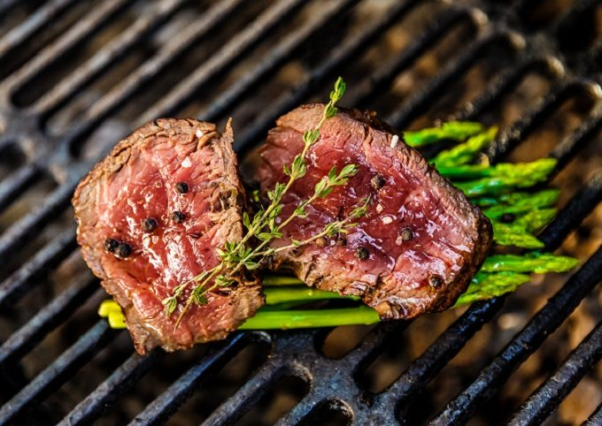忙しい人におすすめ、プロが教える魚焼きグリルを使ったお肉の時短料理