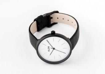 シンプルなだけじゃない。さりげなく凝ったデザインがお洒落な「KLON」の腕時計
