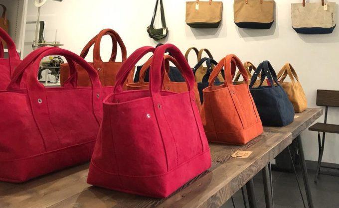 秋におすすめの「pour des lunettes(ぷぅあ で りゅねっと)」のカラーが豊富なかわいいトートバッグ