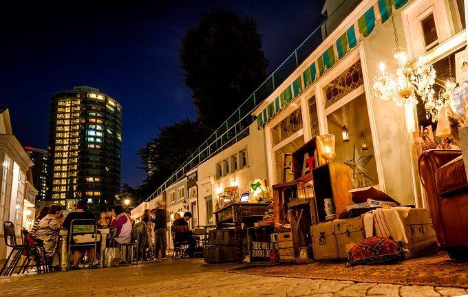 目黒のおしゃれな写真スタジオEASEの「路地裏dining」4