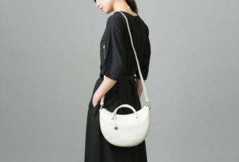 上品で落ち着いた雰囲気。穏やかな月を表現した「Tsukiakari -月明り-」バッグ