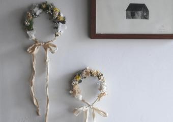 お部屋を癒し空間に。草花の魅力があふれる「yukiko koreeda」の花冠リース