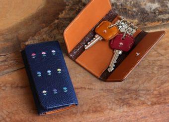 あなたが選ぶオーダーメイド。「GIVING LIFE」の刺繍が入った革小物