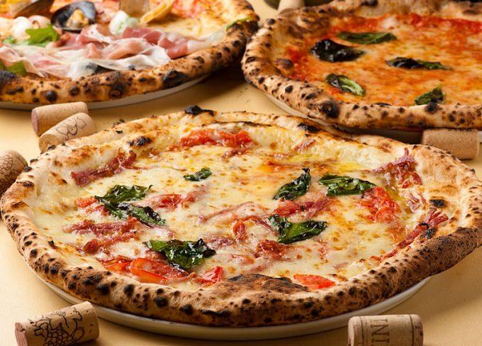 「ピッツェリアマルデナポリ」の本格派ピザ