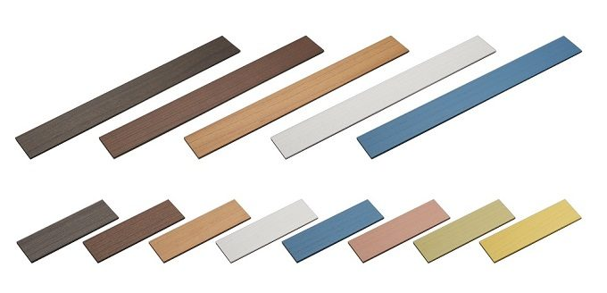壁や家具に手軽に貼れる天然木の「デコウッドタイル」のサイズとカラーバリエーション