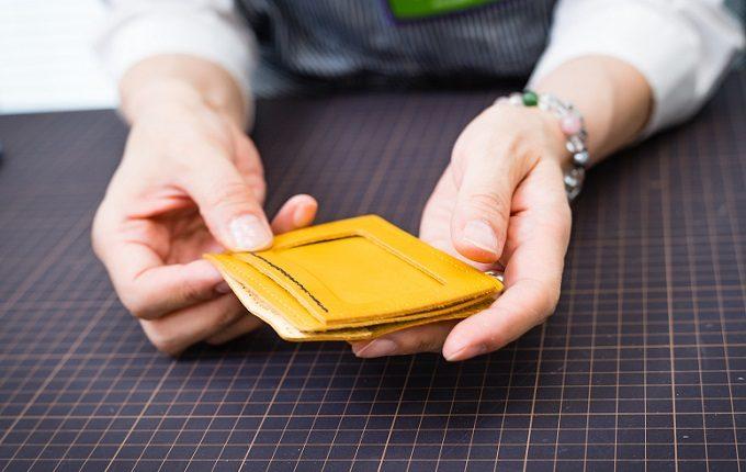 東急ハンズおすすめの手作り革小物キットの作り方3