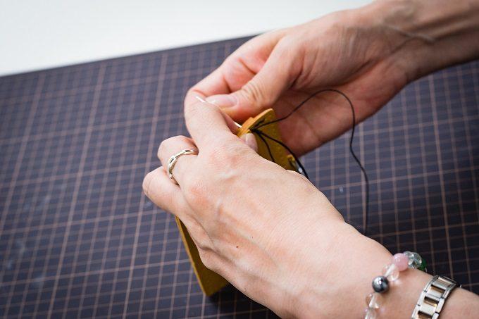 東急ハンズおすすめの手作り革小物キットの作り方5