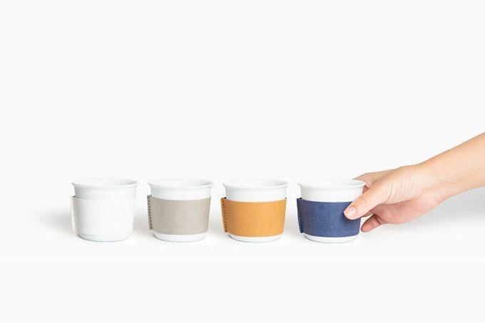 スリーブの着せ替えが出来るシンプルで美しい煎茶堂東京のオリジナル湯呑み「着替える有田焼」