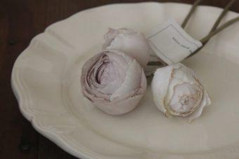 儚げな佇まいに惹かれる。Rie Katoriさんが作るアンティークのような布花アクセサリー