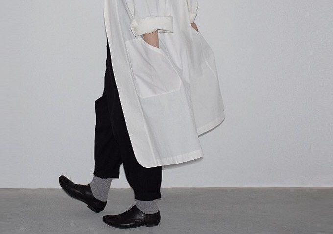 「skep(スケップ)」のシンプルでおしゃれなモノトーンの洋服
