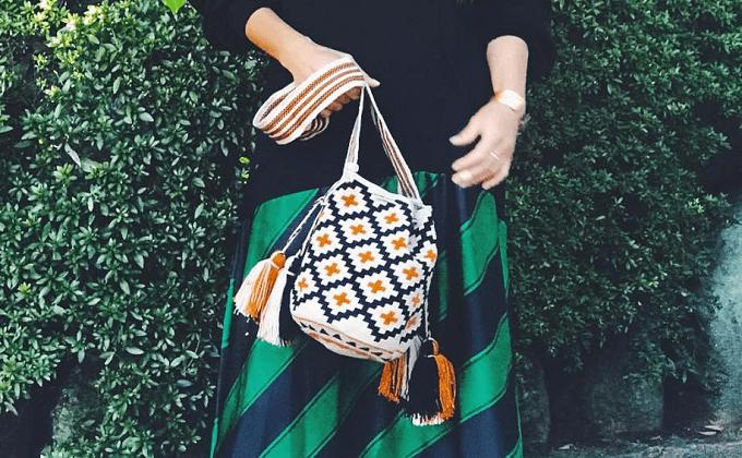 秋冬ファッションにおすすめの「CHILA BAGS(チラバッグス)」の手編み柄バッグ