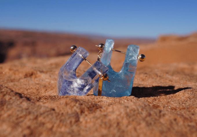 天然石を使った「MONAKA jewellery」のピアス2種類
