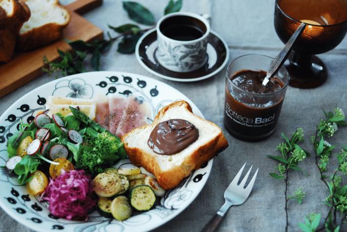 忙しい朝の食事におすすめの「Baci」のチョコスプレッド