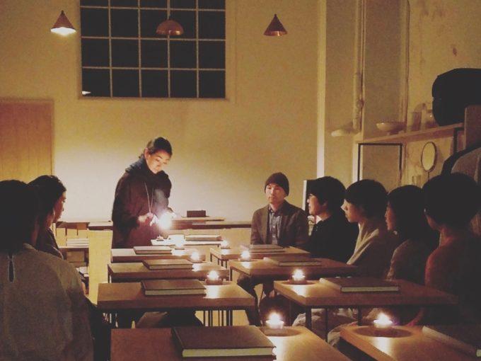 「朗読教室ウツクシキ」主宰の岡安さんに聞いた4つの質問。心をリフレッシュできる朗読とは?