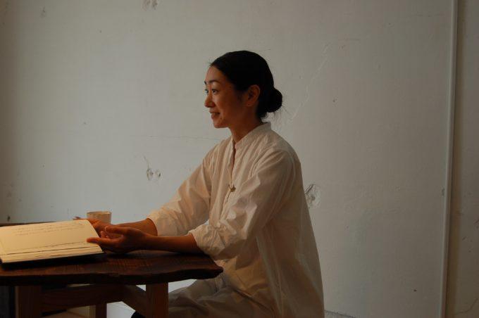「朗読教室ウツクシキ」主宰の岡安さん2