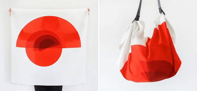 大胆な柄の風呂敷をバッグに出来る「Link」のレザーストラップ&風呂敷セット