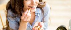お菓子の食べすぎを防ぐ4つの方法